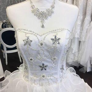 Princess wedding dresses white size 2-4
